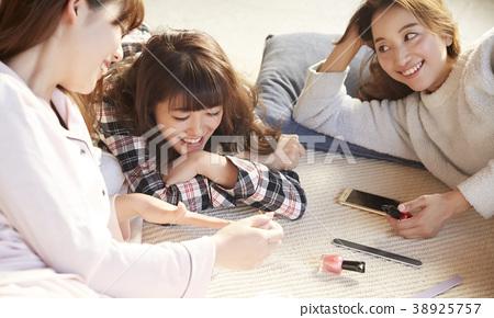睡衣派對婦女協會 38925757