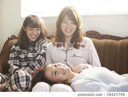 睡衣派对妇女协会 38925799