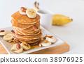 almond banana pancake 38976925