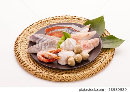 Ingredients for cooking pots Frozen fish 38980929