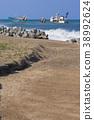 running aground, ocean, sea 38992624