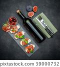 prosciutto, antipasti, cheese 39000732