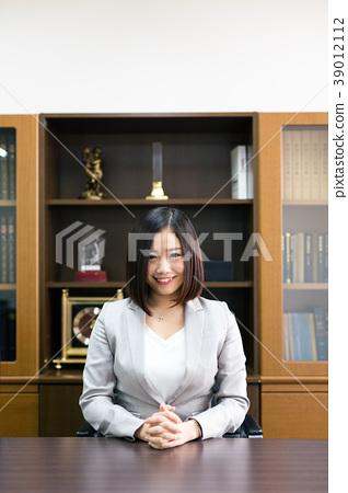 律師法官檢察官女人 39012112