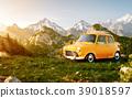 Cute little retro car  39018597