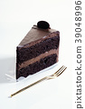 chocolate layer cake 39048996