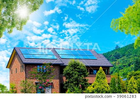 에코 하우스와 푸른 하늘과 초록 39061283