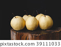 Fresh Asian pears 39111033