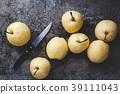 Fresh Asian pears 39111043