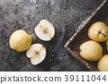 Fresh Asian pears 39111044