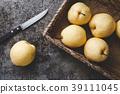 Fresh Asian pears 39111045