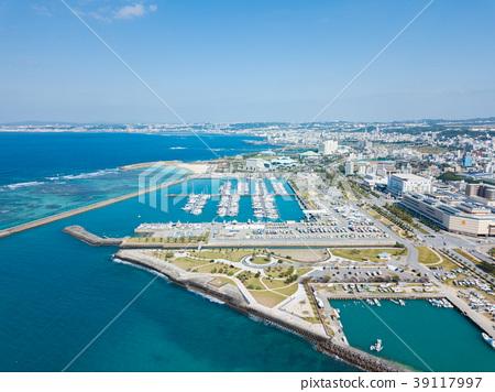 遊艇港口沖繩宜野灣港口小遊艇船塢鳥瞰圖 39117997