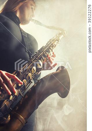Saxophone 39122276