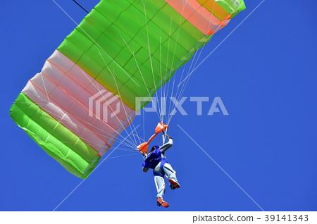 高空跳傘 39141343