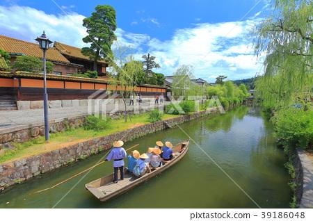 Boat rush in Kurashiki Aichi district 39186048