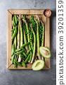 Young Green asparagus 39201359