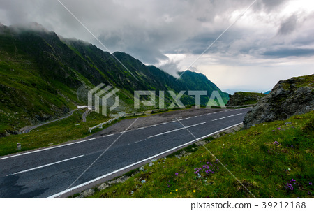 Transfagarasan road on a rainy day 39212188