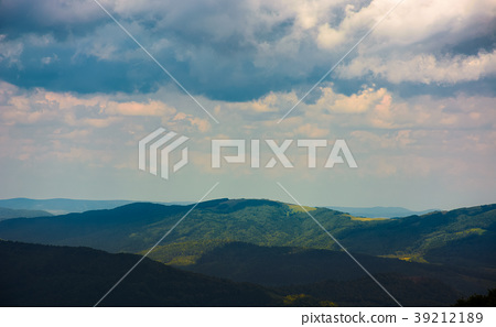 mountain landscape in rainy weather 39212189