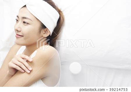 여성 스킨 케어 39214753