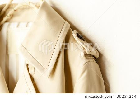 트렌치 코트의 어깨 39254254