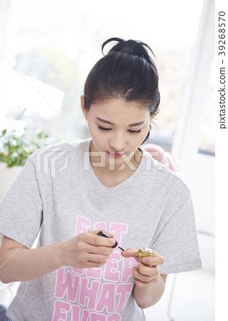Life, Young Women, Korean 39268570