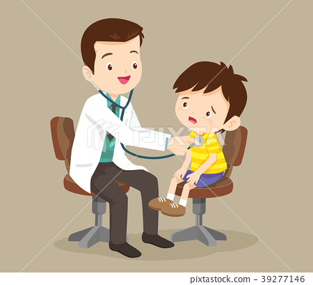Doctor listening to chest of patient with stethosc 39277146