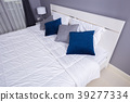 bed in bedroom in home 39277334