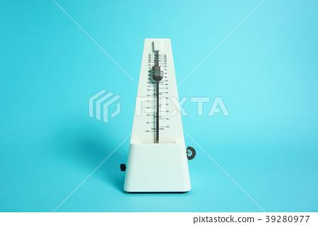 Image of metronome rhythm, music (music), tempo, etc  Light
