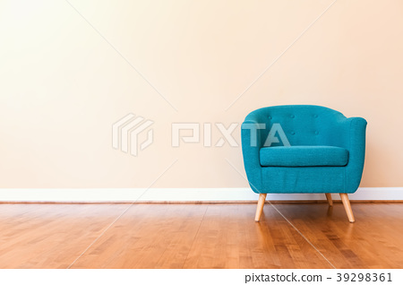 Luxury home with turquoise chair 39298361