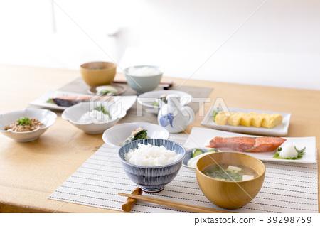 日本餐桌 39298759