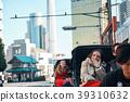 外國遊客在人力車上 39310632
