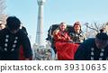 外國遊客在人力車上 39310635