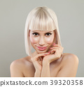 woman blond young 39320358