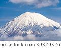富士山漂浮在雲層中 39329526