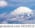 富士山漂浮在雲層中 39329532