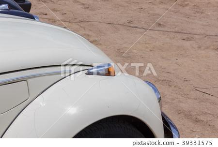 Antique cars turn signals. 39331575