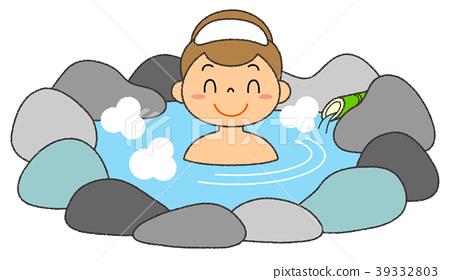 Woman entering the hot spring smile open-air bath 39332803