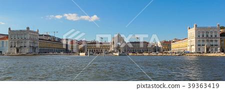 The Commerce Square (Praca do Comercio) in Lisbon 39363419