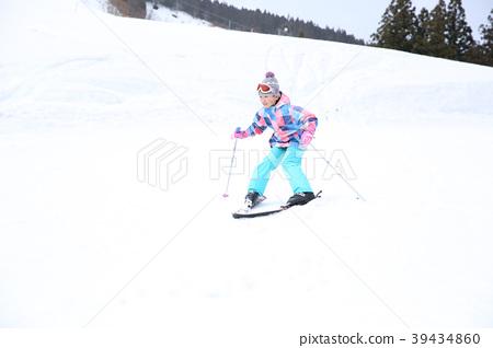 喜歡滑雪的小學生 39434860