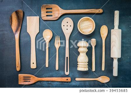 Kitchen utensils 39453685