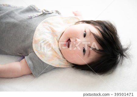 아기 4 개월 39501471