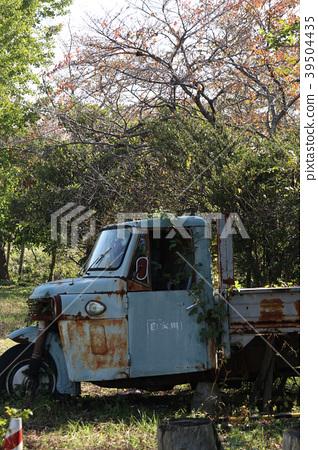 Scrapped car 39504435