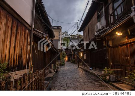 히로시마 현 도모 노우 라 항에 골목 39544493