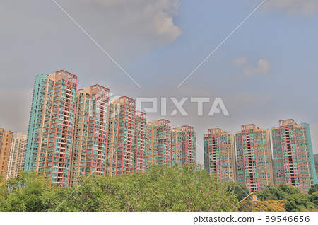 Hong Kong housing apartment block Siu Hong 39546656