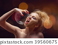 girl with soap bubbles 39560675