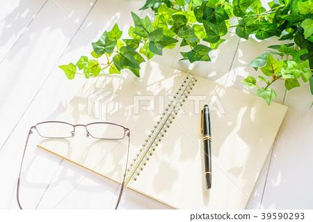 鋼筆和筆記 39590293
