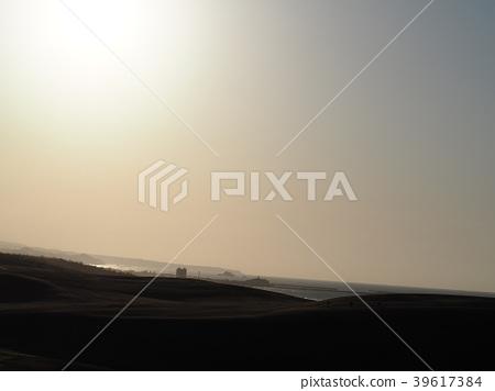 Tottori sand dunes 39617384