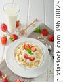 Domestic yogurt with strawberries 39630029