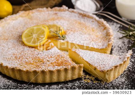 Delish leamon tart 39630923