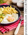 egg potato cooking 39653879