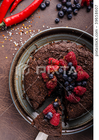 Brownies cake with chilli and berries 39658607